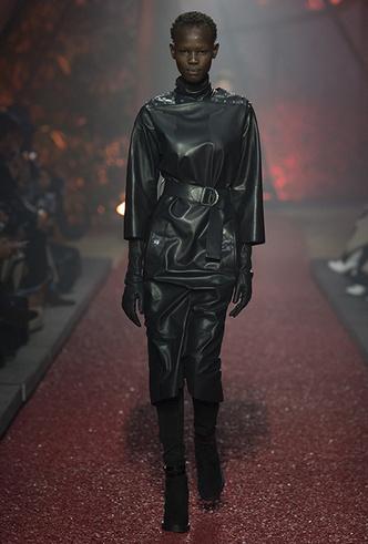 Фото №4 - Как сочетать кожаные вещи между собой: мастер-класс от Hermès FW18-19