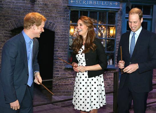 Фото №1 - Кэтрин Миддлтон и принц Уильям посетили дом Гарри Поттера