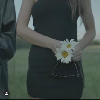 Фото №5 - Егор Шип выпустил видео, в котором похоронил Hype House. И в нем есть отсылка на Валю Карнавал!