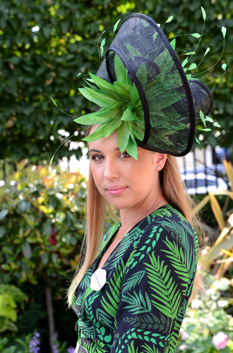 Фото №21 - Чья шляпа лучше: герцогиня Кембриджская и другие на Royal Ascot 2017