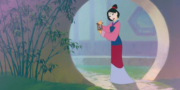 Фото №1 - Good hair day: как носить пучок в стиле Disney