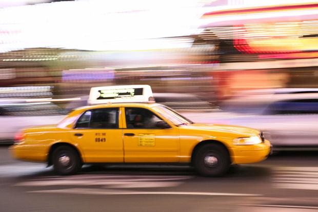 Фото №1 - Знать и соблюдать: права и обязанности пассажира такси 🚕