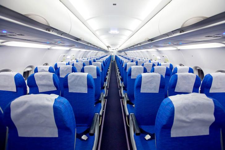 Фото №1 - Найден способ сделать средние кресла в самолете более комфортными