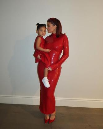Фото №14 - В тренде с пеленок: как одеваются дети голливудских звезд— Шейк, Дженнер и других