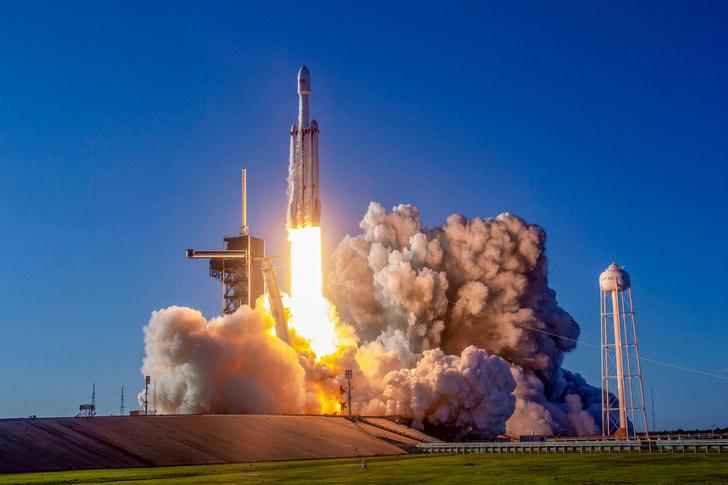 Фото №1 - На орбиту доставили прах 152 человек