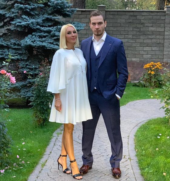 Фото №2 - «Если найдет, отпущу»: Лера Кудрявцева не будет бороться с молодой любовницей мужа