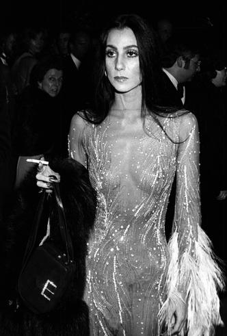 Фото №10 - От Дианы до Рианны: самые скандальные платья в истории моды