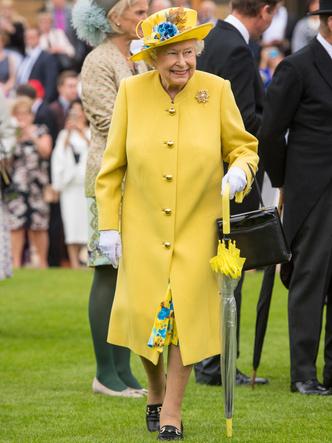 Фото №15 - От Елизаветы II до герцогини Кейт: любимые обувные бренды королевские особ