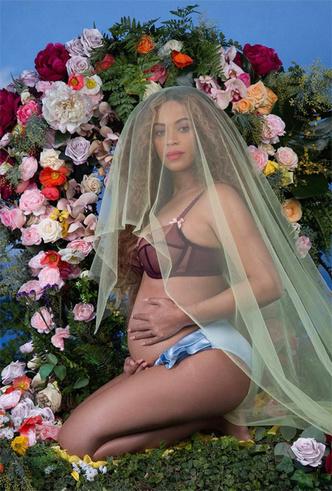 Фото №5 - Бейонсе уже родила двойню