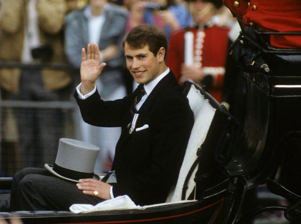 Фото №5 - Обделенный принц: почему младшему сыну Королевы не достался титул герцога