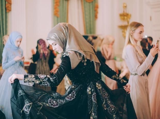 Фото №4 - Шестой день Mercedes-Benz Fashion Week Russia 2017