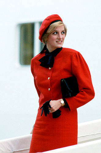 Фото №48 - 60 красных нарядов: как принцесса Диана носила любимый цвет