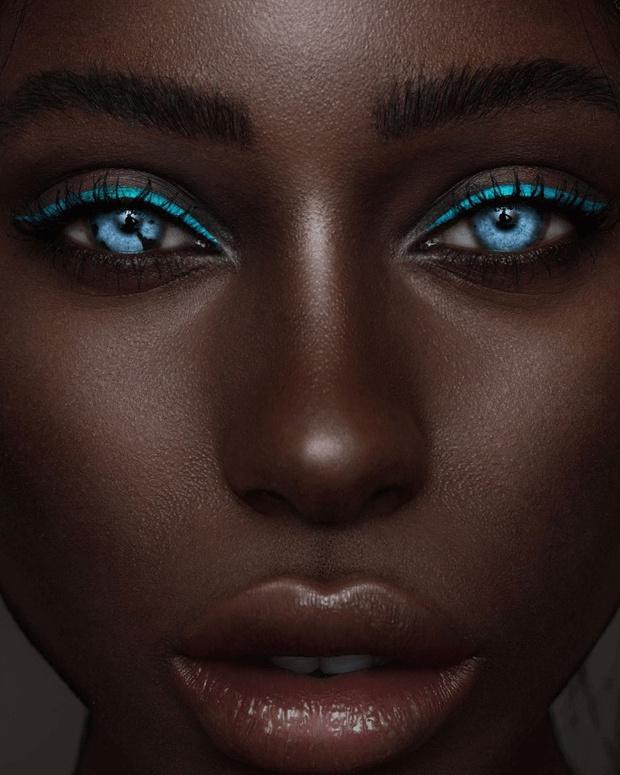 Фото №1 - 10 невероятных красавиц с уникальными особенностями внешности