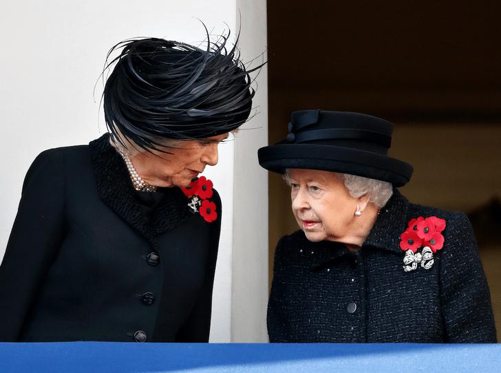 Фото №3 - Как Королева демонстрирует особое отношение к герцогине Камилле