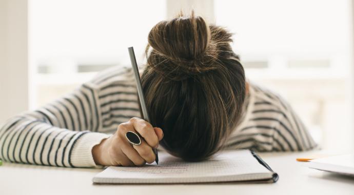 «Выгорания не существует»: как справиться с постоянной усталостью?