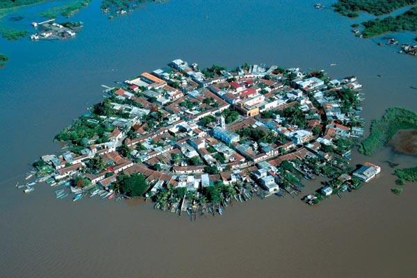 Фото №1 - Большой миф маленького острова
