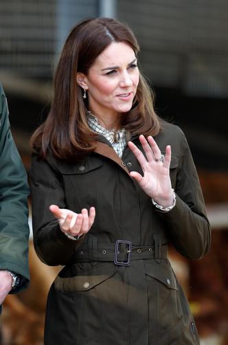 Фото №9 - 10 лучших образов герцогини Кейт в 2020 году