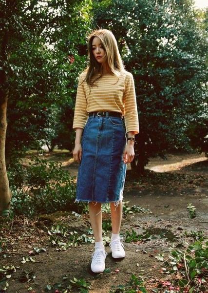 Фото №3 - С чем носить джинсовую юбку миди: 10 модных идей