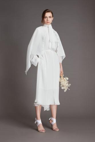 Фото №9 - От классики до экспериментов: 6 главных трендов свадебной моды в 2021 году