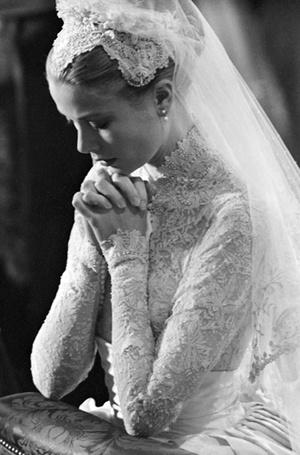 Фото №4 - Пять королевских невест, отказавшихся от тиары на свадьбе