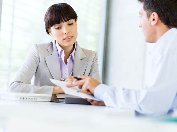 Фото №5 - Как реагировать на неловкие вопросы на собеседовании (и получить желаемую работу)