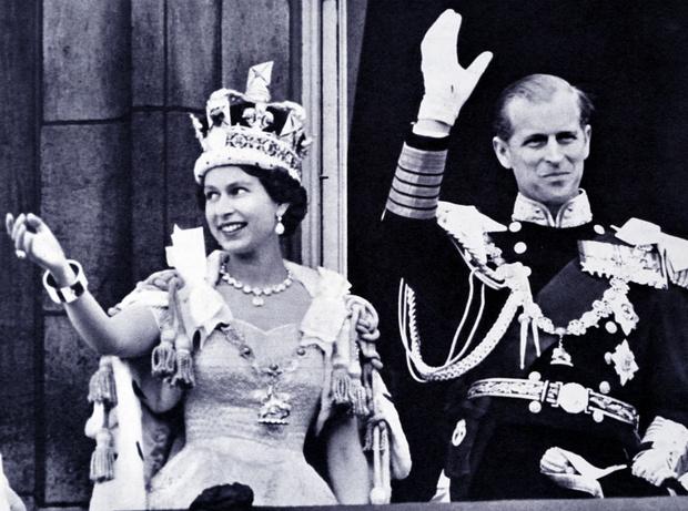 Фото №3 - «Проклятая» корона: история самого загадочного украшения Виндзоров (и почему Кейт стоит его опасаться)