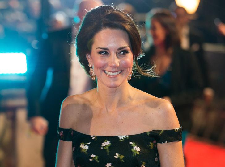 Фото №6 - Талант скромности: герцогиня Кембриджская на церемонии BAFTA