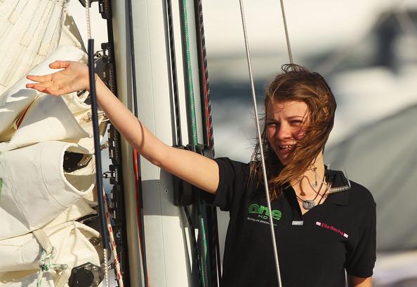 Фото №8 - 16-летняя яхтсменка обогнула земной шар