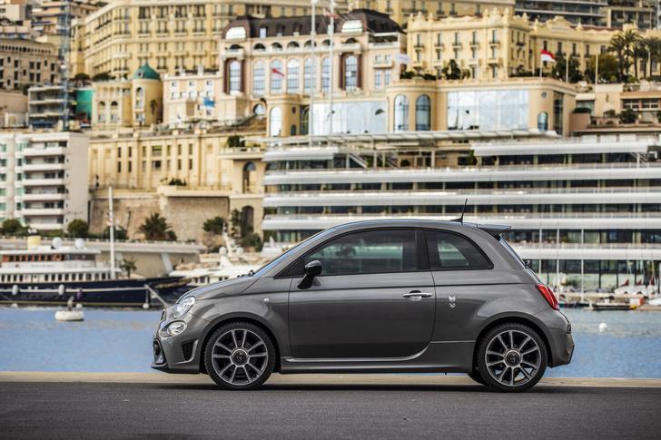 Фото №3 - 10 самых популярных автомобилей в «Инстаграме»