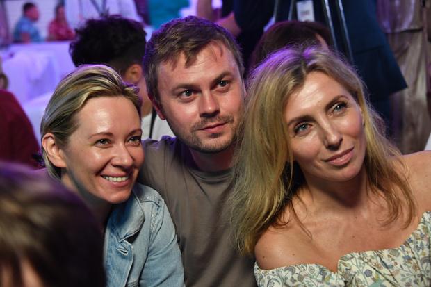 Фото №1 - Белый верх, голый низ: экс-бойфренд Светланы Бондарчук выложил ее откровенное фото