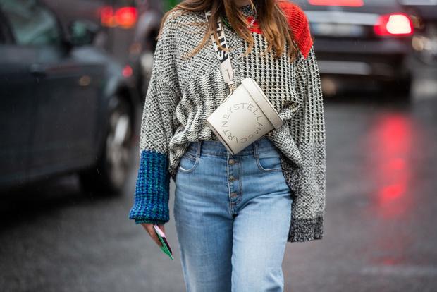 Фото №1 - 20 стильных свитеров и толстовок от 1000 рублей