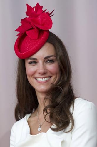 Фото №24 - Драгоценности герцогини: любимые ювелирные бренды Кейт Миддлтон
