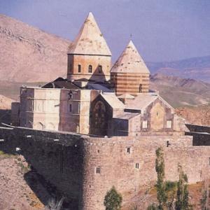 Фото №1 - Армяне Ирана уверяют, что их не притесняют