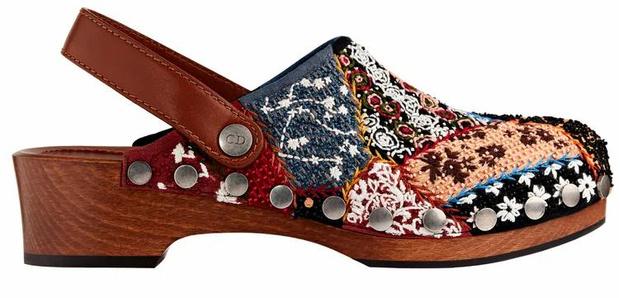 Фото №6 - Самая «уродливая» летняя обувь: как клоги вновь стали трендом