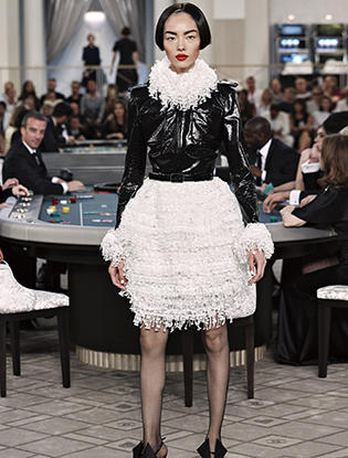 Фото №42 - Неделя Высокой моды в Париже: Chanel FW2015/16