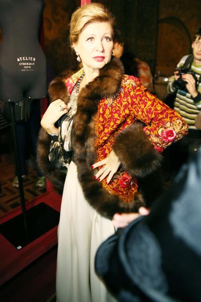 Вика Цыганова в одежде собственного дизайна