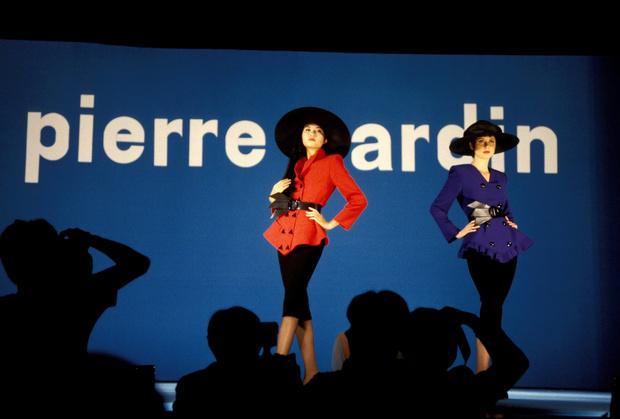 Фото №5 - Король футуризма: модные изобретения Пьера Кардена