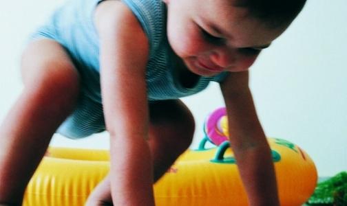 Фото №1 - Минздрав отменяет осмотры психиатра для годовалых детей. Осмотры гинеколога останутся