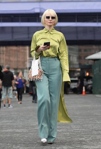 Фото №8 - Фисташка, шалфей и зеленый чай: как носить главную альтернативу цвету хаки