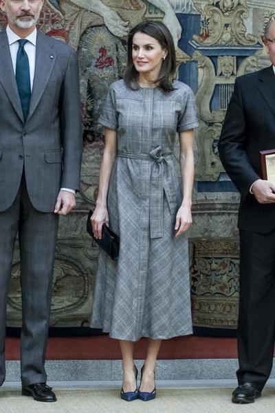 Фото №2 - 15 нереально красивых летних платьев королевы Летиции