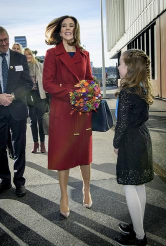 Фото №22 - «Датская Кейт Миддлтон»: 5 модных правил кронпринцессы Мэри