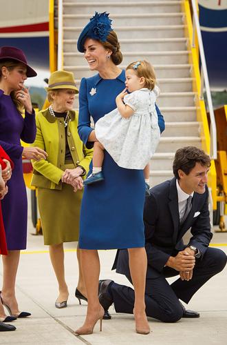 Фото №13 - Малыши-путешественники: первые зарубежные туры королевских детей
