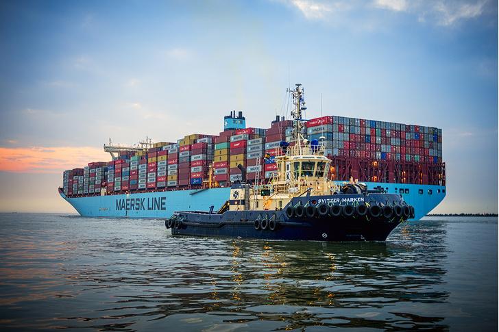 Фото №2 - Как устроен контейнеровоз размером с 4 футбольных поля