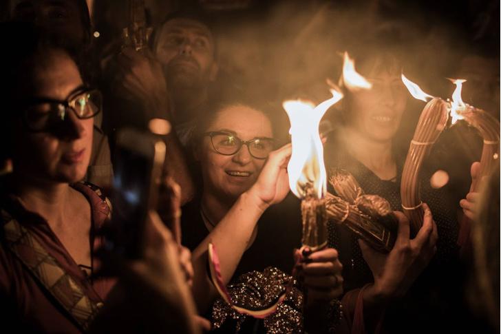 Фото №1 - Православные ждут схождение Благодатного огня