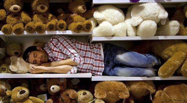 Спящий мужчнина, секреты здорового сна