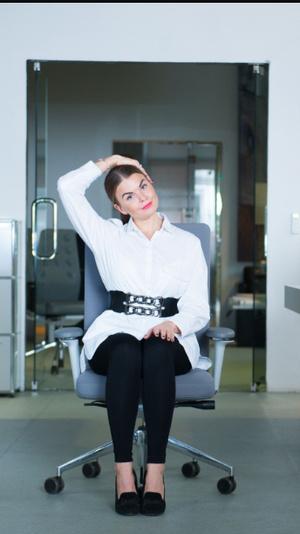 Фото №4 - Для самых занятых: разминка, которую можно делать, не вставая со стула (почти)