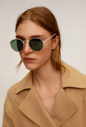 Фото №15 - Очки для лета: самые модные модели 2020