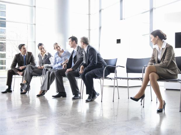 Фото №2 - Как наладить отношения на работе, если вы интроверт