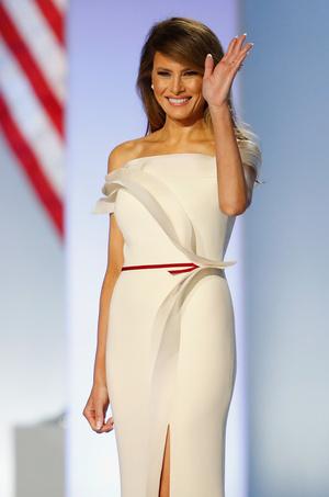 Фото №25 - Королевы Белого дома: самые роскошные инаугурационные платья Первых леди