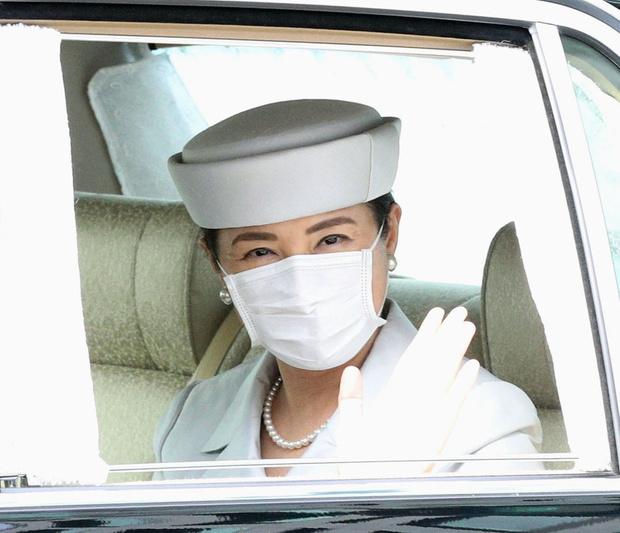 Фото №2 - Императрица Японии показала идеальные брови